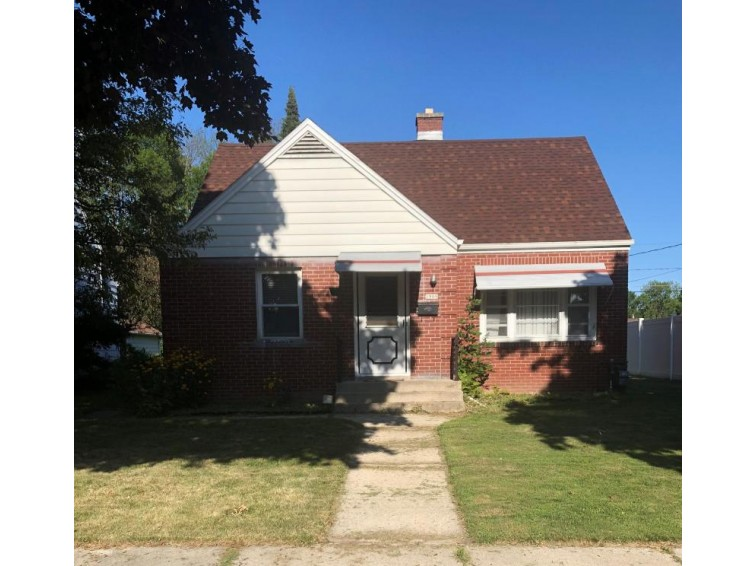 1909 S 17th St, Sheboygan, WI by Century 21 Moves $89,900