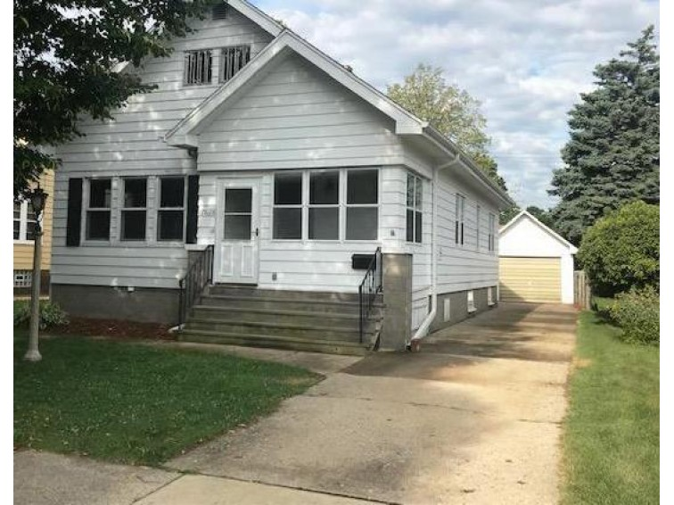 7626 26th Ave, Kenosha, WI by Homestead Realty, Inc~milw $144,900
