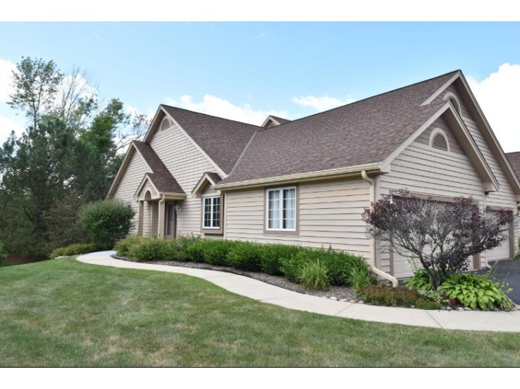 17475 Emily Ann Ct A Brookfield, WI 53045 by Shorewest Realtors, Inc. $274,900