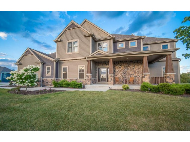 W196N5624 Powell Dr Menomonee Falls, WI 53051-6116 by Exsell Real Estate Experts Llc $699,900