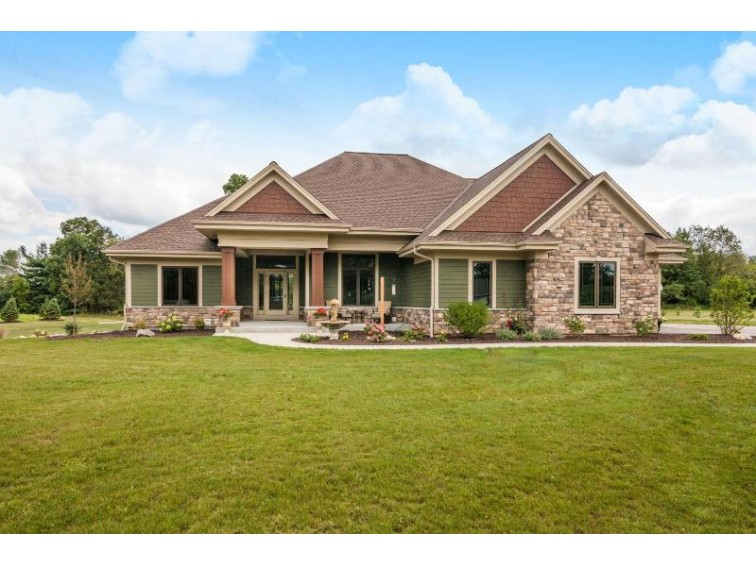 1154 N Griffith Rd Summit, WI 53066 by Lake Country Flat Fee $759,900