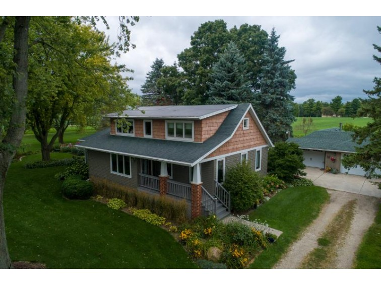 N92W26490 Hickory Rd Hartland, WI 53029-9409 by Shorewest Realtors, Inc. $479,000