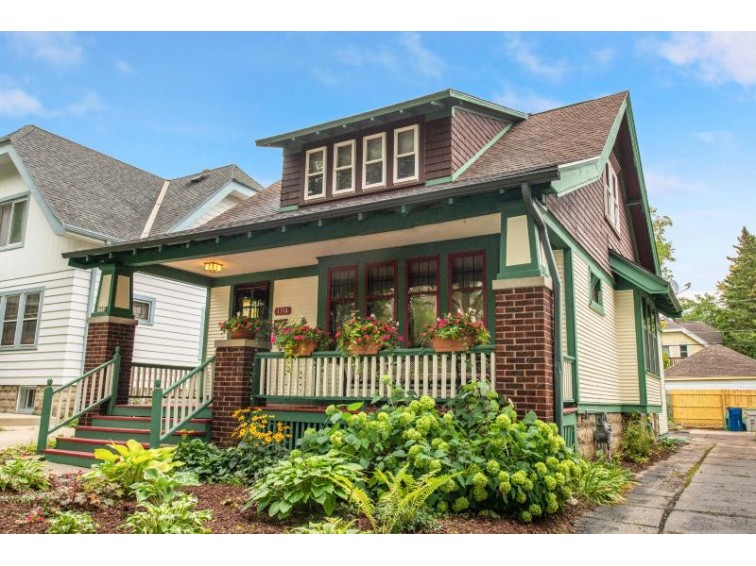 1514 N 54th St, Milwaukee, WI by Coldwell Banker Realty $199,900