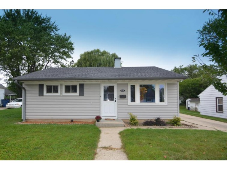 6216 W Idaho St, Milwaukee, WI by Nested Real Estate Llc $125,000