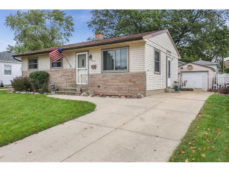 6043 49th Ave, Kenosha, WI by Re/Max Newport Elite $157,500