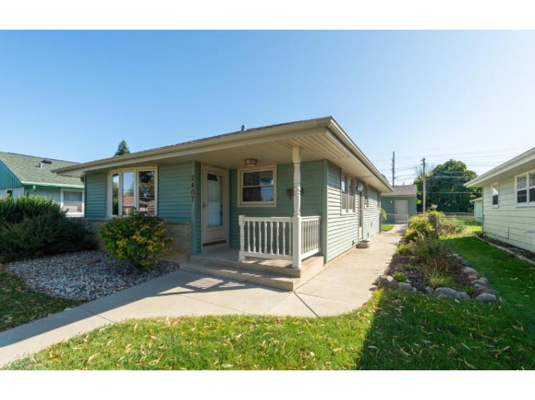 2407 Grove Ave, Green Bay, WI by D'Aprile Properties, Llc~gurnee $169,900