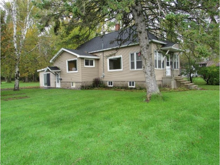 4411 10th St, Menominee, MI by Broadway Real Estate $74,900