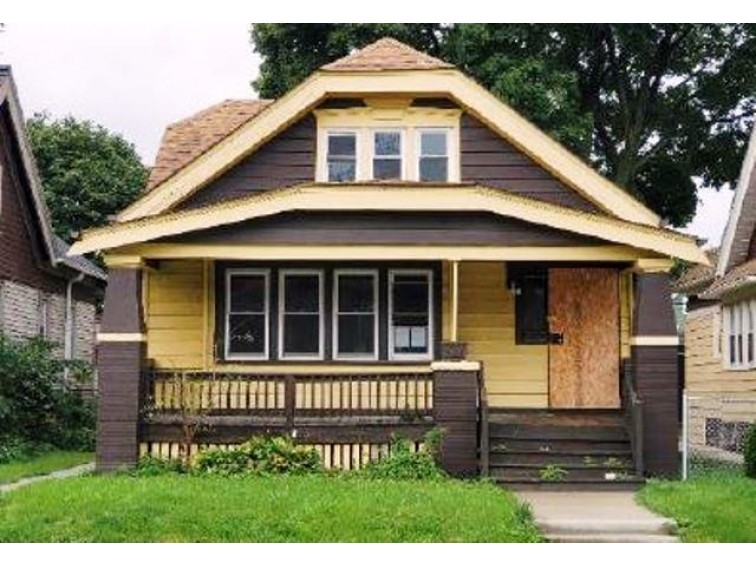 3323 N 27th St, Milwaukee, WI by Realhome Services And Solutions, Inc. $27,500