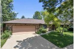 1824 W Homestead Drive Appleton, WI 54914-2022 by Keller Williams Fox Cities $220,000