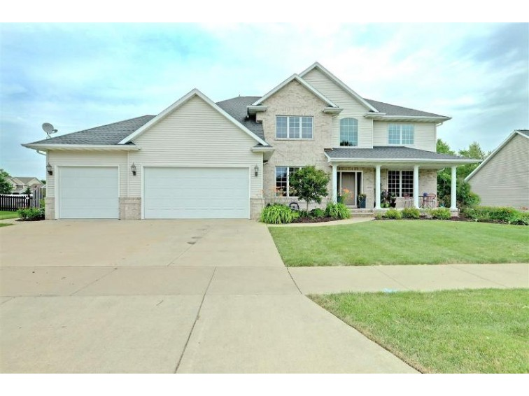 4930 N Turnberry Drive Appleton, WI 54913-8680 by Century 21 Affiliated $379,900