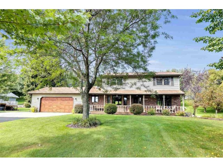 2558 Country Meadow Court, Green Bay, WI by Symes Realty, LLC $259,900