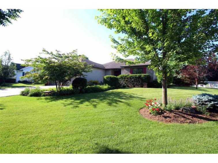 220 Pinnacle Dr Lake Mills, WI 53551 by Re/Max Community Realty $329,900