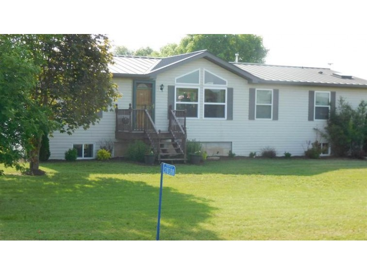 S10388 Old Bluff Tr, Sauk City, WI by Century 21 Affiliated $229,000
