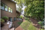 5892 Woods Edge Rd Fitchburg, WI 53711 by Sprinkman Real Estate $650,000