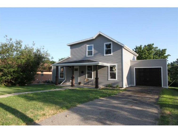 533 E Minerva St, Darlington, WI by Fisher Realty Group, Llc $138,500