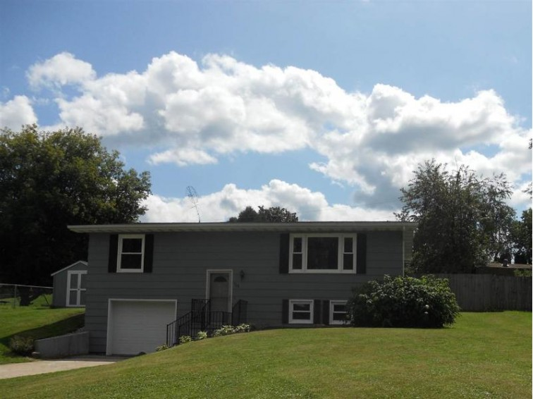 103 Hollywood St, Baraboo, WI by Design Realty $148,900