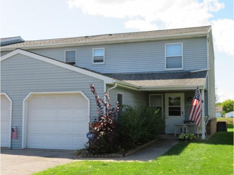 1411 8th St, Reedsburg, WI by First Weber Real Estate $92,500