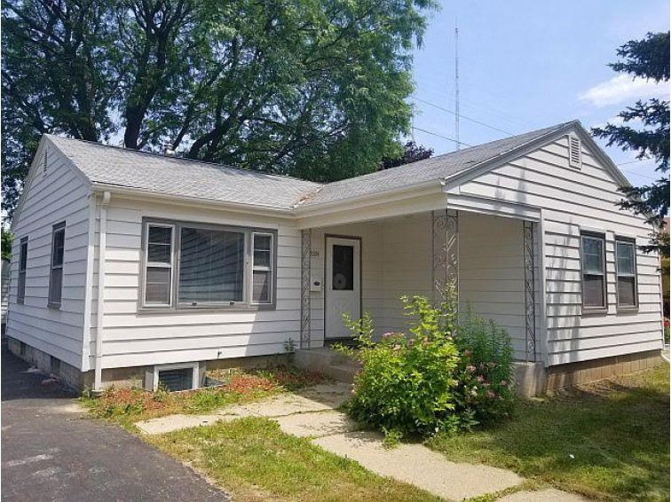 5328 N Dexter Ave Milwaukee, WI 53209-5040 by Realty Dynamics $114,900