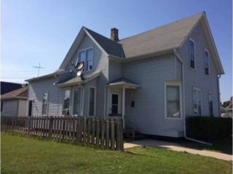 2006/2008 S 11th St, Sheboygan, WI by Century 21 Moves $74,700
