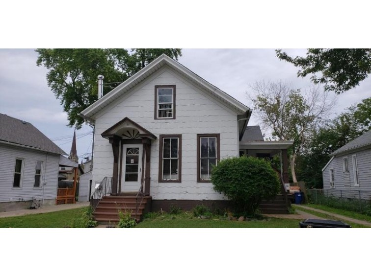 1419 Lincoln St, Racine, WI by Century 21 Affiliated $35,000