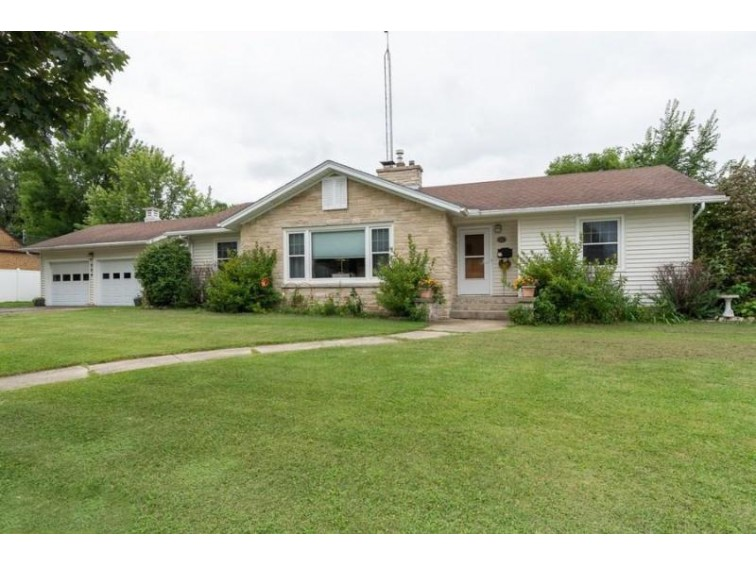 504 N Cedar St, Horicon, WI by Coldwell Banker Realty $179,900
