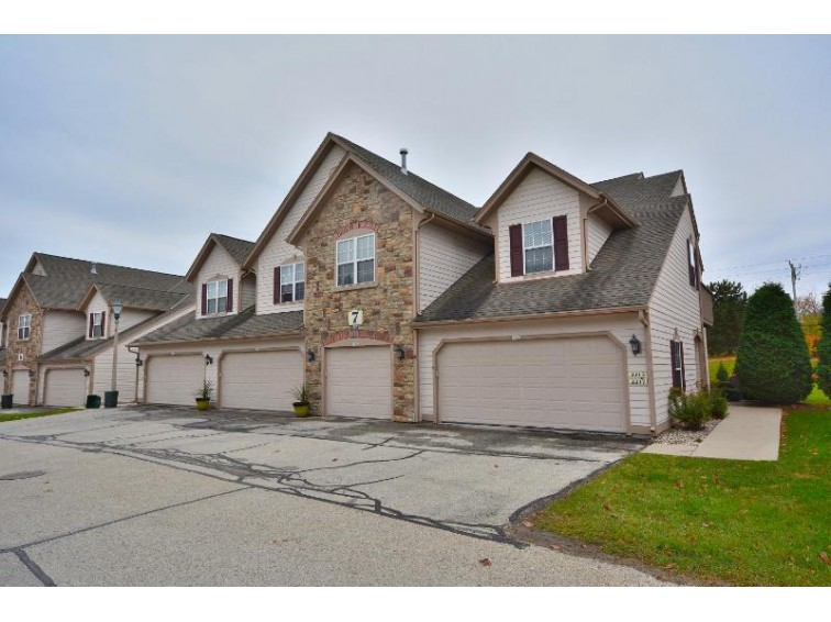 2215 W Vista Bella Dr Bldg 7 Oak Creek, WI 53154-2662 by First Weber Real Estate $159,900