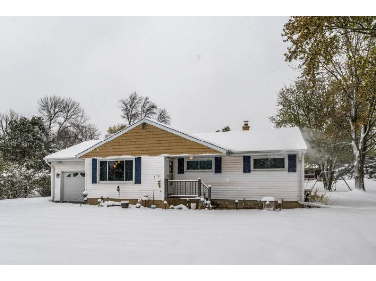 4420 N Brookfield Rd Brookfield, WI 53045-1022 by Home Buyers Marketing Ii, Inc. $259,900