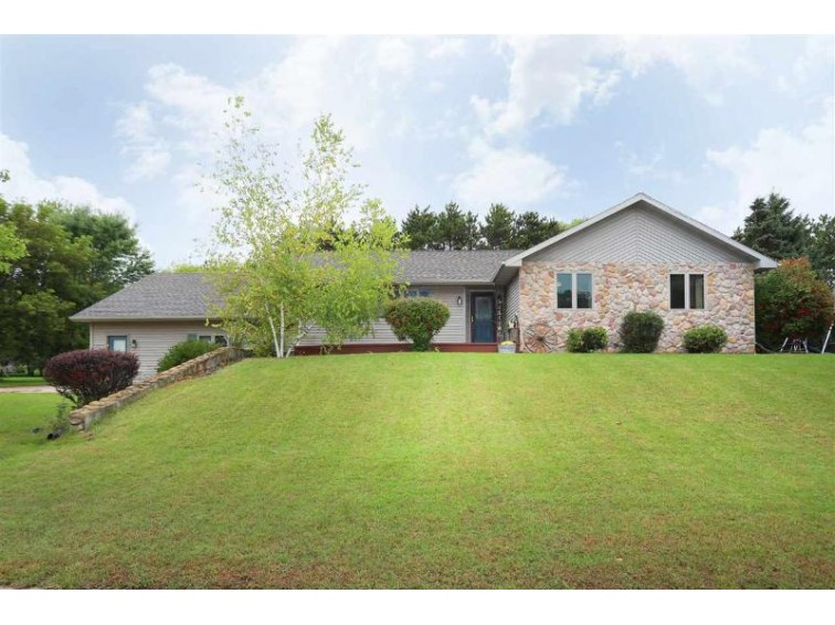 475 Maple Ridge Road Berlin, WI 54923 by Coldwell Banker Real Estate Group $214,900