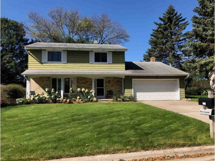 546 Tyrolian Drive, Green Bay, WI by Coldwell Banker Real Estate Group $184,900