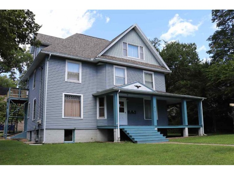 1041 Carrington St, Janesville, WI by Century 21 Affiliated $135,000