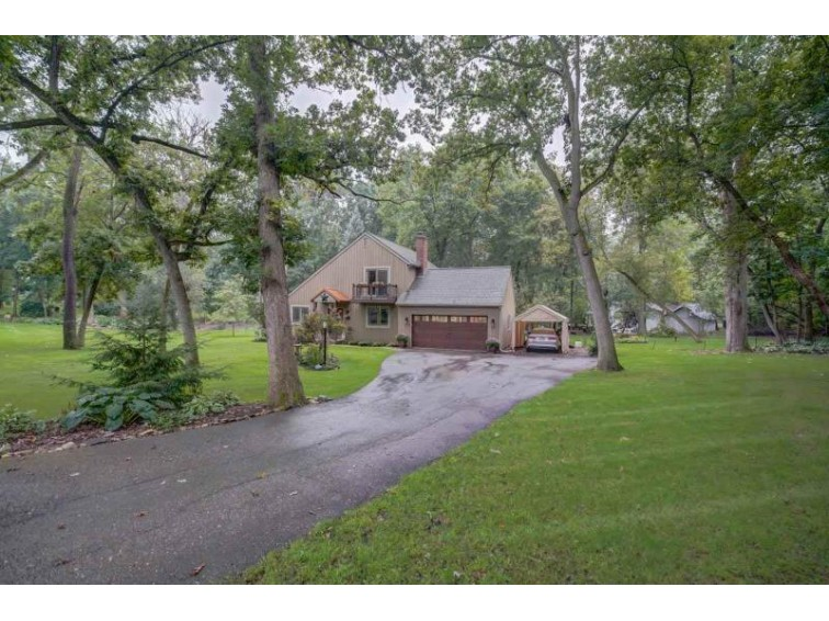 2663 Oakcrest Cir Sun Prairie, WI 53590-9768 by First Weber Real Estate $299,900