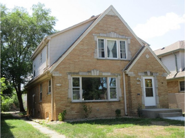 8015 W Beckett Ave Milwaukee, WI 53218 by Adashun Jones Real Estate $145,000