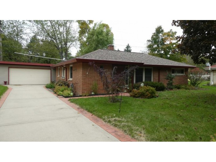 2115 Crestview Ct Wauwatosa, WI 53226-2048 by Worth Realty $239,900
