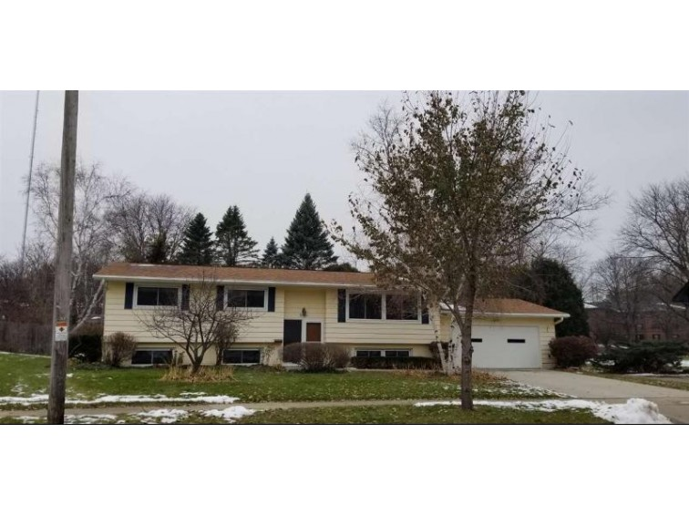 5814 Yorkshire Rd, Madison, WI by Re/Max Preferred $309,900