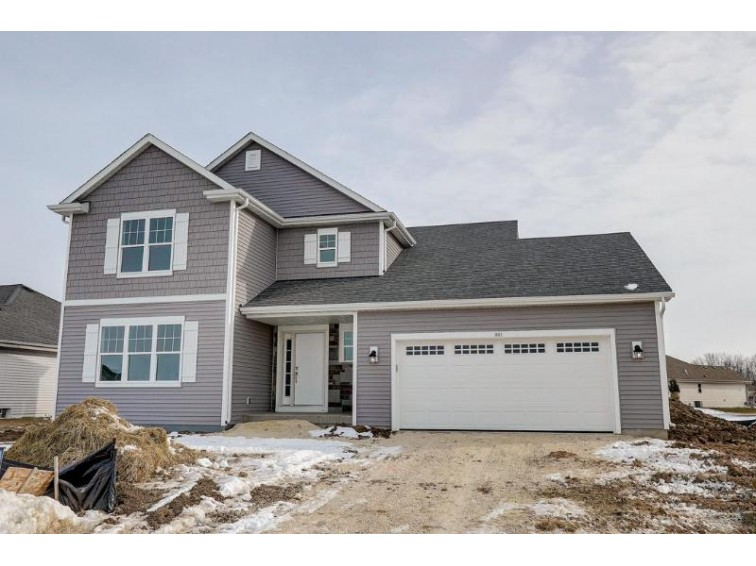 561 Big Bend Way Hartford, WI 53027-8515 by Harbor Homes Inc $299,900