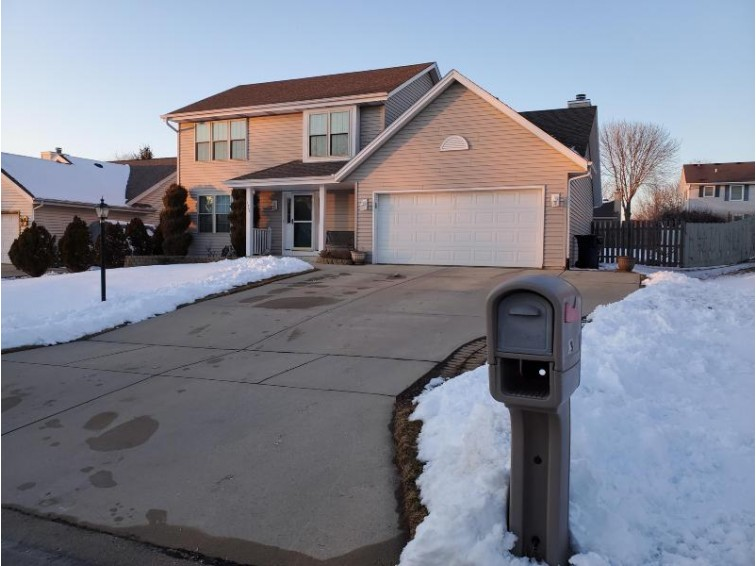1224 Edgewood Ave South Milwaukee, WI 53172-3700 by Pinnacle Realty. Inc. $279,900
