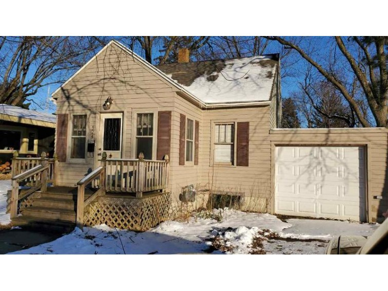 524 Vine St Wisconsin Dells, WI 53965 by Northern Exposure Real Estate Llc $99,900