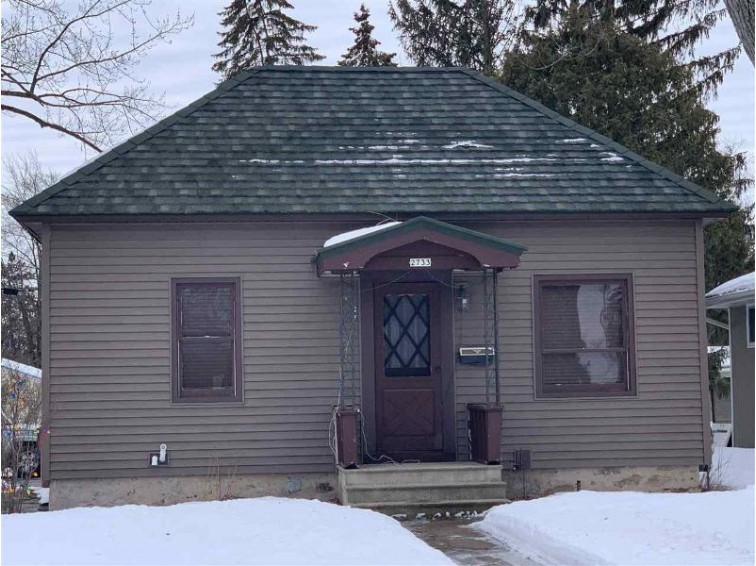 2733 Clark Street Stevens Point, WI 54481 by Kpr Brokers, Llc $109,900