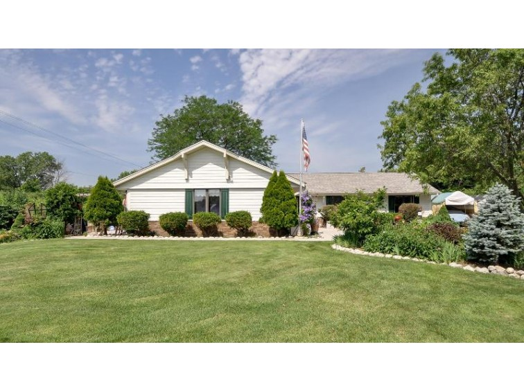 7867 S 83rd St Franklin, WI 53132-8947 by Homestead Realty, Inc~milw $398,900