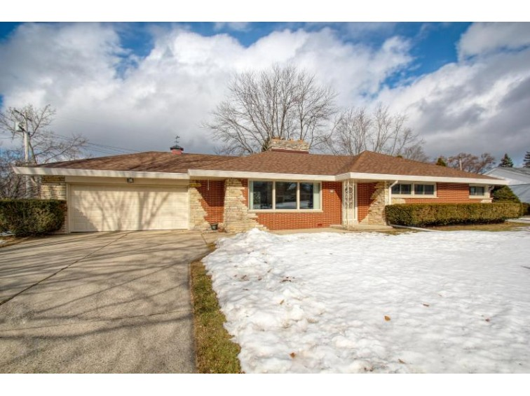 4420 W Calumet Rd Brown Deer, WI 53223-4422 by Re/Max Realty 100 $179,900