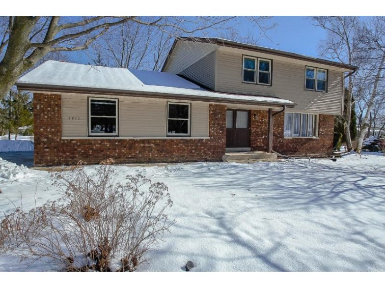 6872 S 117th St Franklin, WI 53132-1380 by Shorewest Realtors, Inc. $319,800