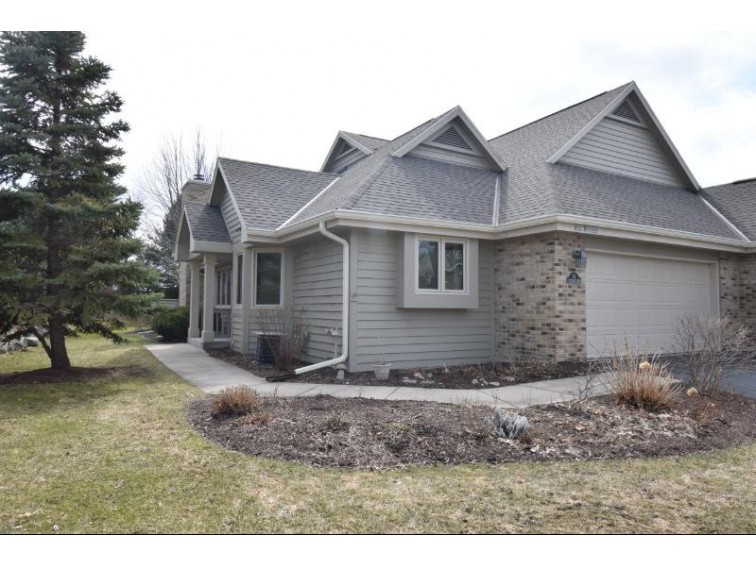 N21W24369 Cumberland Dr 35g Pewaukee, WI 53072-5847 by Shorewest Realtors, Inc. $285,000