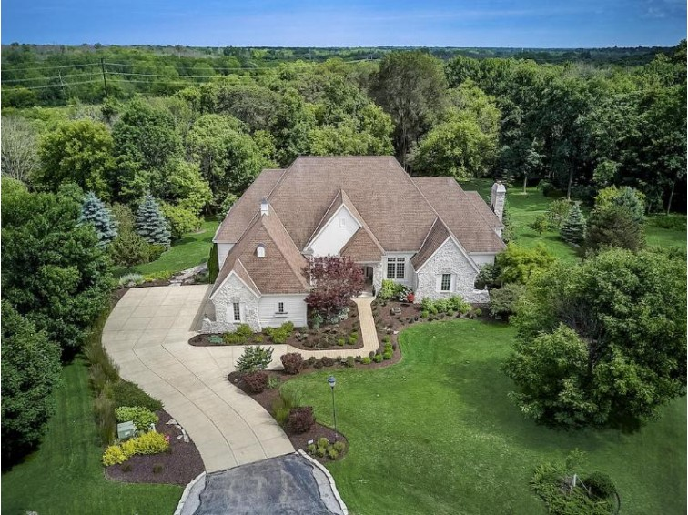 7033 W Overlook Ct Mequon, WI 53092 by Powers Realty Group $1,239,900