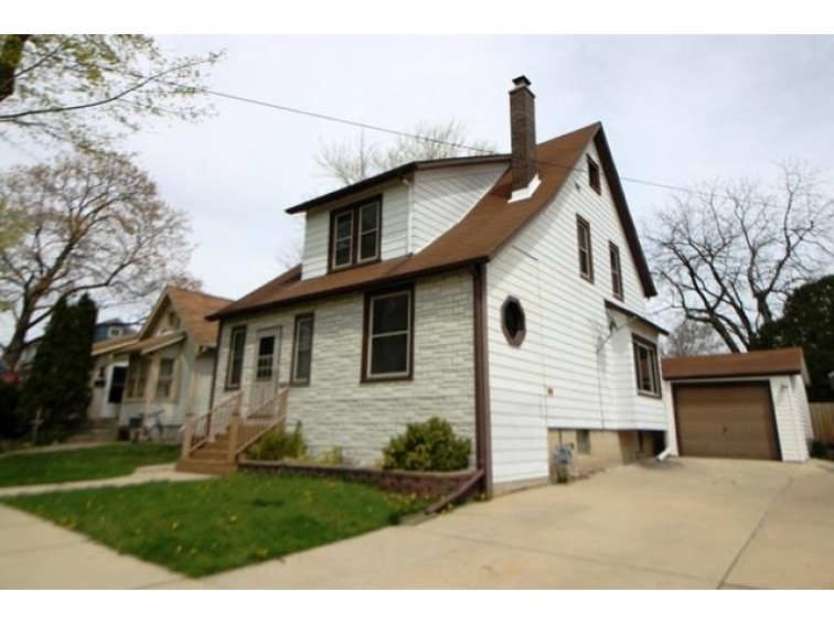306 Clarence St Fort Atkinson, WI 53538-1847 by Tincher Realty $184,900
