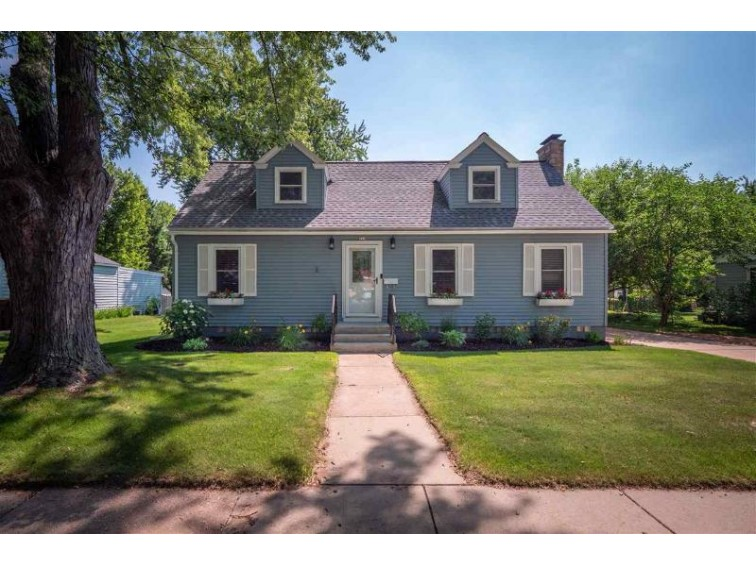 717 Soo Marie Avenue Stevens Point, WI 54481 by Kpr Brokers, Llc $179,900