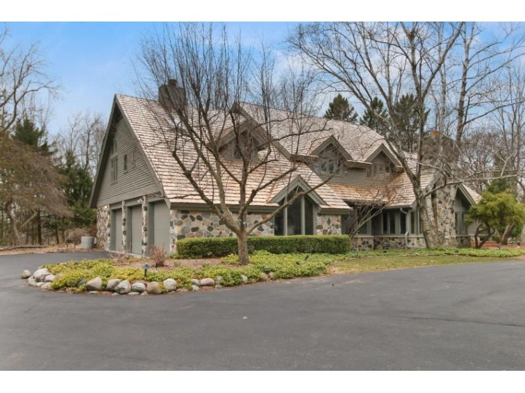 3131 W Donges Bay Rd Mequon, WI 53092-5135 by First Weber Real Estate $975,000