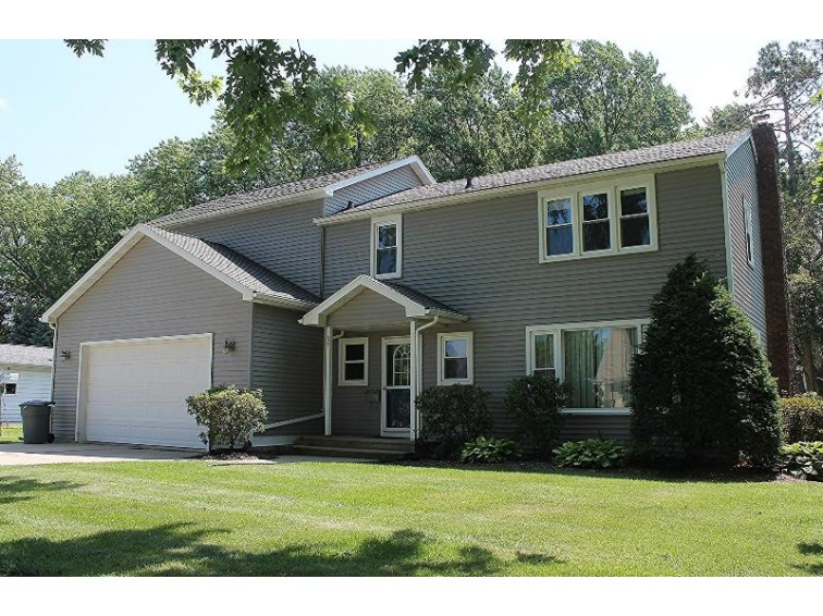421 W Griswold St Ripon, WI 54971-1813 by First Weber Real Estate $166,000