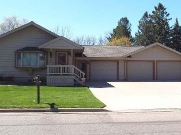 715 North Ave, Antigo, WI 54409