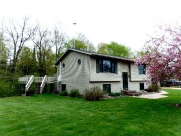 W834 3rd Ave, Russell, WI 54435