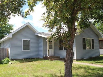 218 Third St N, Eagle River, WI 54521